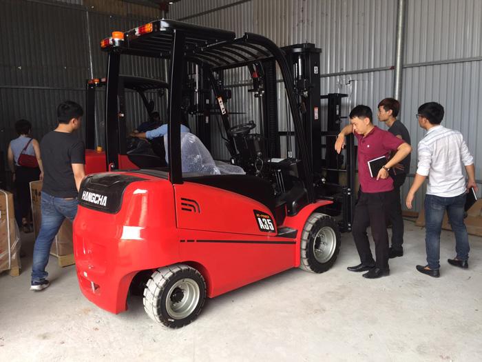 Xe nâng 3.5 tấn HangCha chạy điện sử dụng ắc quy chì