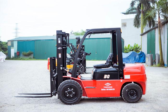 Xe nâng 3 tấn với kích thước tiêu chuẩn