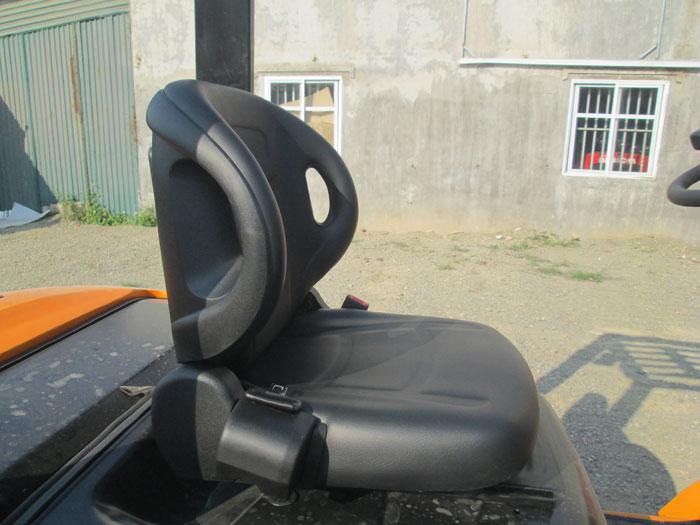 Ghế grammer trên xe nâng
