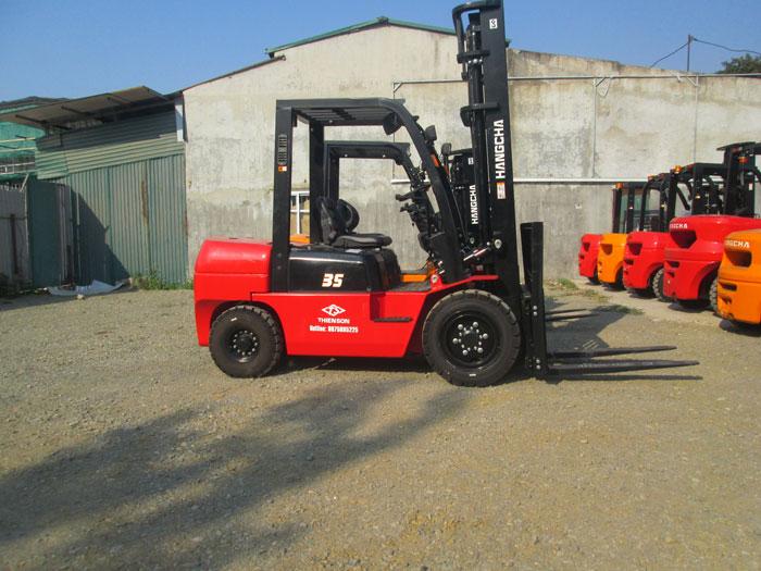 Xe nâng dầu 3.5 tấn dòng A sử dụng động cơ đốt trong