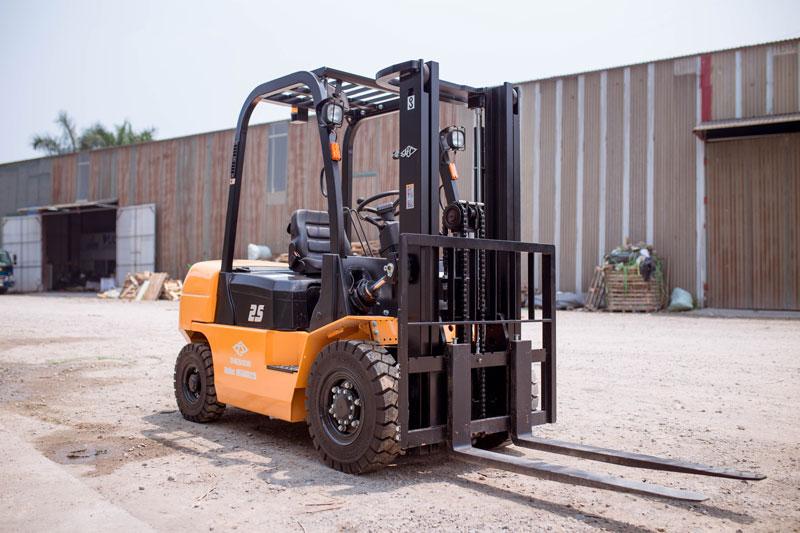 Xe nâng dầu 2,5 tấn X series CPCD 25 XRW Hangcha