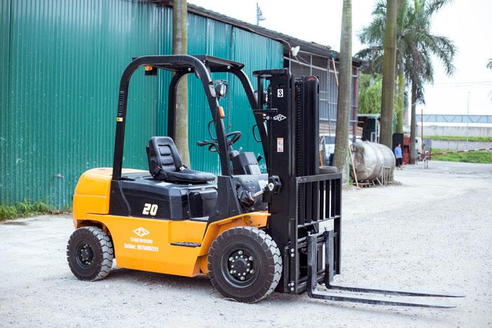 Xe nâng dầu 2 tấn trang bị nhiều chức năng hiện đại