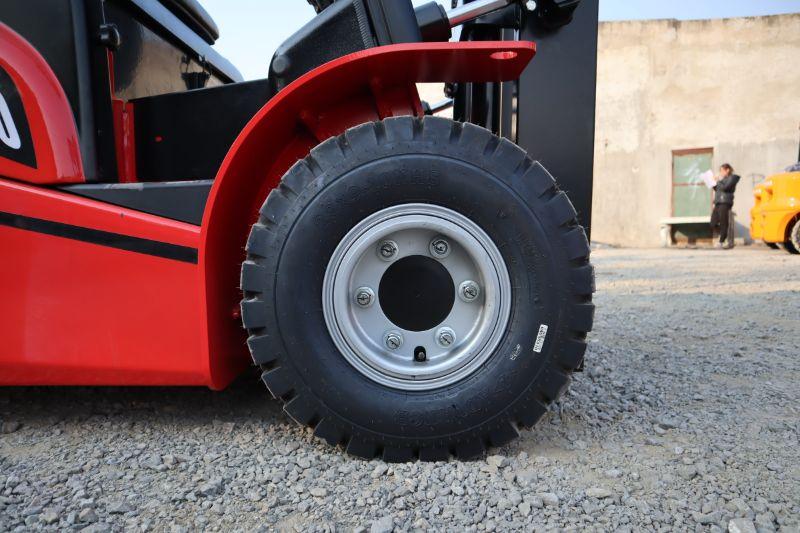 Lốp hơi của xe nâng điện 2 tấn HangCha dòng A