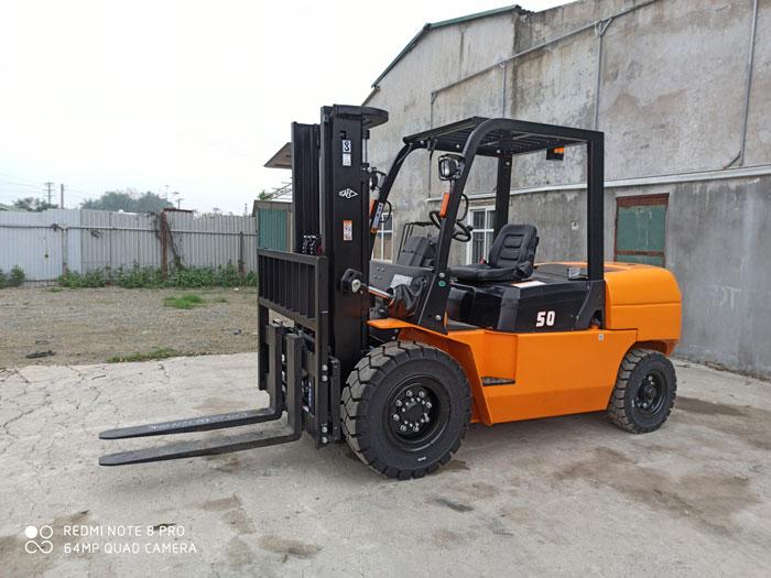Xe nâng dầu 5 tấn HangCha dòng X tại kho xe nâng Thiên Sơn