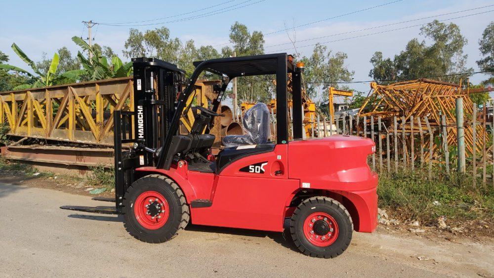 Xe nâng dầu 5 tấn HangCha đang chuẩn bị giao cho khách