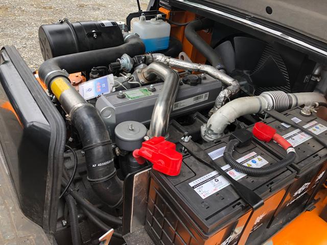 Khoang động cơ xe nâng dầu 5 tấn HangCha