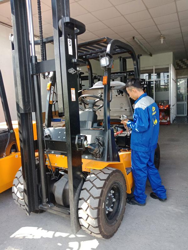 Dịch vụ sửa chữa xe nâng uy tín tại Thiên Sơn