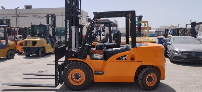 Xe nâng 5 tấn HangCha tại kho của khách hàng