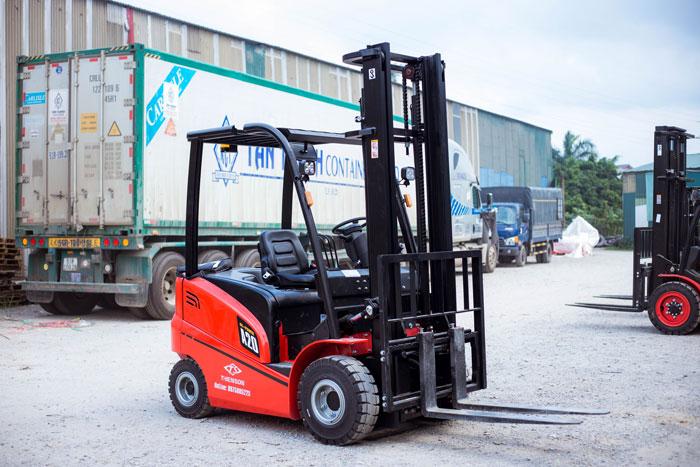 Xe nâng điện 2 tấn 4 bánh ngồi lái dòng A