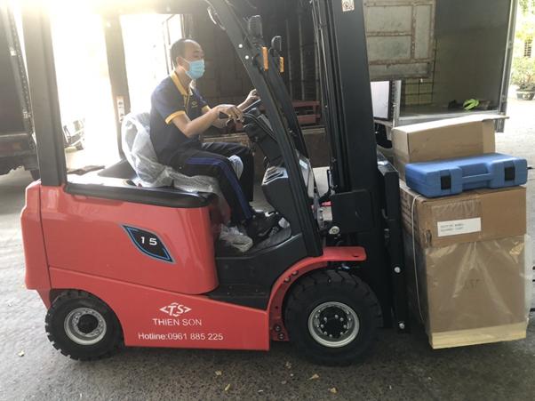 Xe nâng điện 1.5 tấn dòng AE Hangcha tại xưởng khách hàng